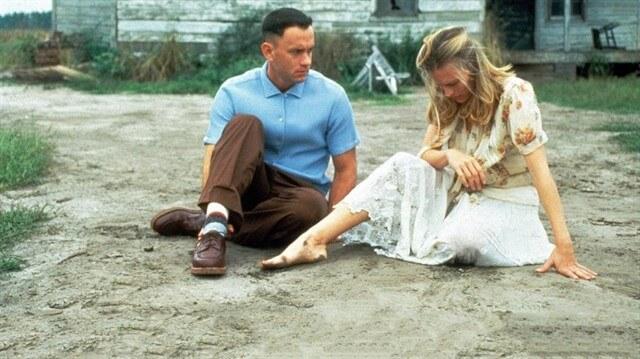 Forrest Gump'da kahramanımızın yolu bir şekilde hayatının aşkı Jenny ile kesişecektir.