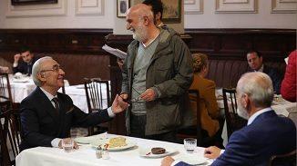 Yavuz Turgul filmlerinin vazgeçilmez karakteri Şener Şen ve Yavuz Turgul.