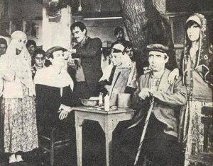 Başrollerinde Kemal Sunal ve Şener Şenin rol aldığı Davaro filmi.
