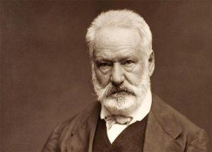Fransız yazar Victor Hugo yazarların ilginç hikayeleri içerisinde adından hayli söz ettiren bir karakterdir.
