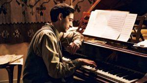The Piyanist, Polanyalı Piyanist Szpilman'ın dramatik yaşamına odaklanan bir filmdir.
