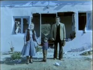 Vatandaş Rıza filminde Cüneyt Arkın'a eşi Betül Arkın ve oğlu Murat Arkın eşlik eder.