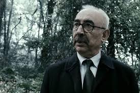 Av Mevsimi filmi, en iyi Şener Şen filmleri içerisinde yer alır.