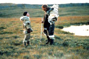 Karda Yürüyen, doğaya karşı verilen mücadele temalı filmler kategorisien dahil edilebilir.