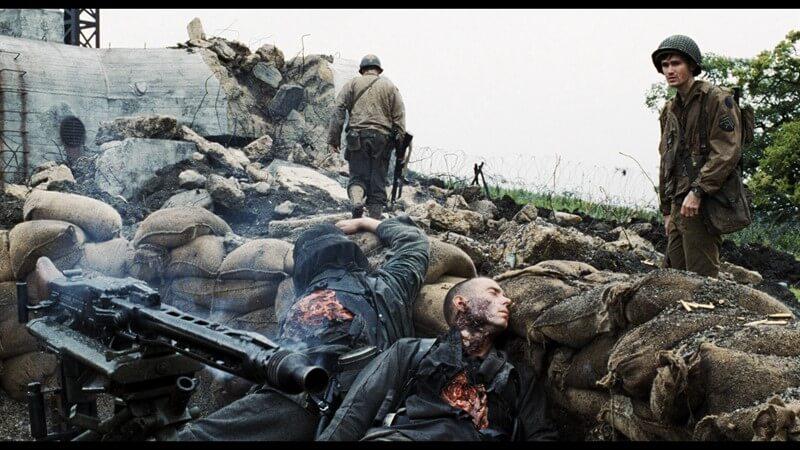 Er Ryan'ı Kurtarmak filminde savaşın getirdiği acı ve esaret birçok sahnede detaylarıyla işlenmiştir.