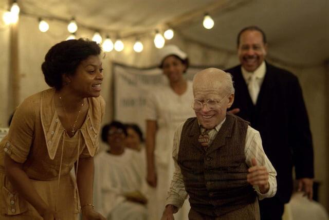 Benjamin Button'ın Tuhaf Hikayesi, Oscar'da 3 ödüle layık görülmüştür.