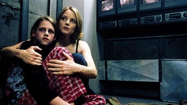 """Panik Odası; """"David Fincher'dan daha iyi filmler beklemek hepimizin hakkı."""" tepkileriyle karşılaşan bir yapıttır."""